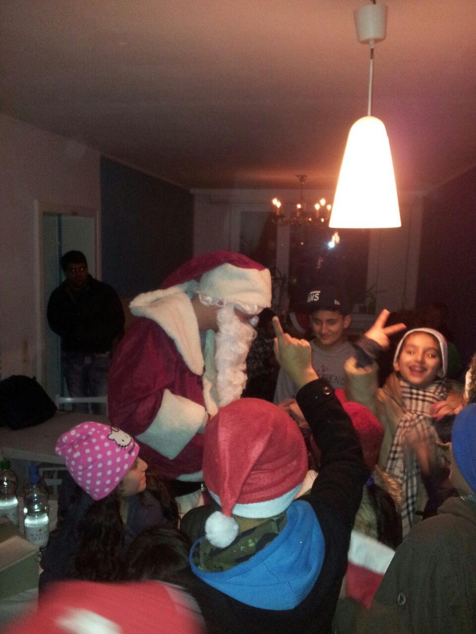 Der Weihnachtsmann auf dem Brunnenplatz und im HUkultur in der Hustadt